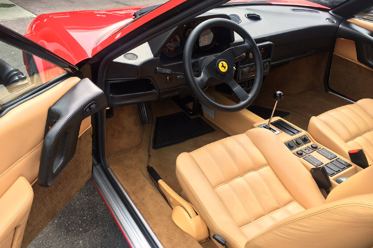 フェラーリ328_シート