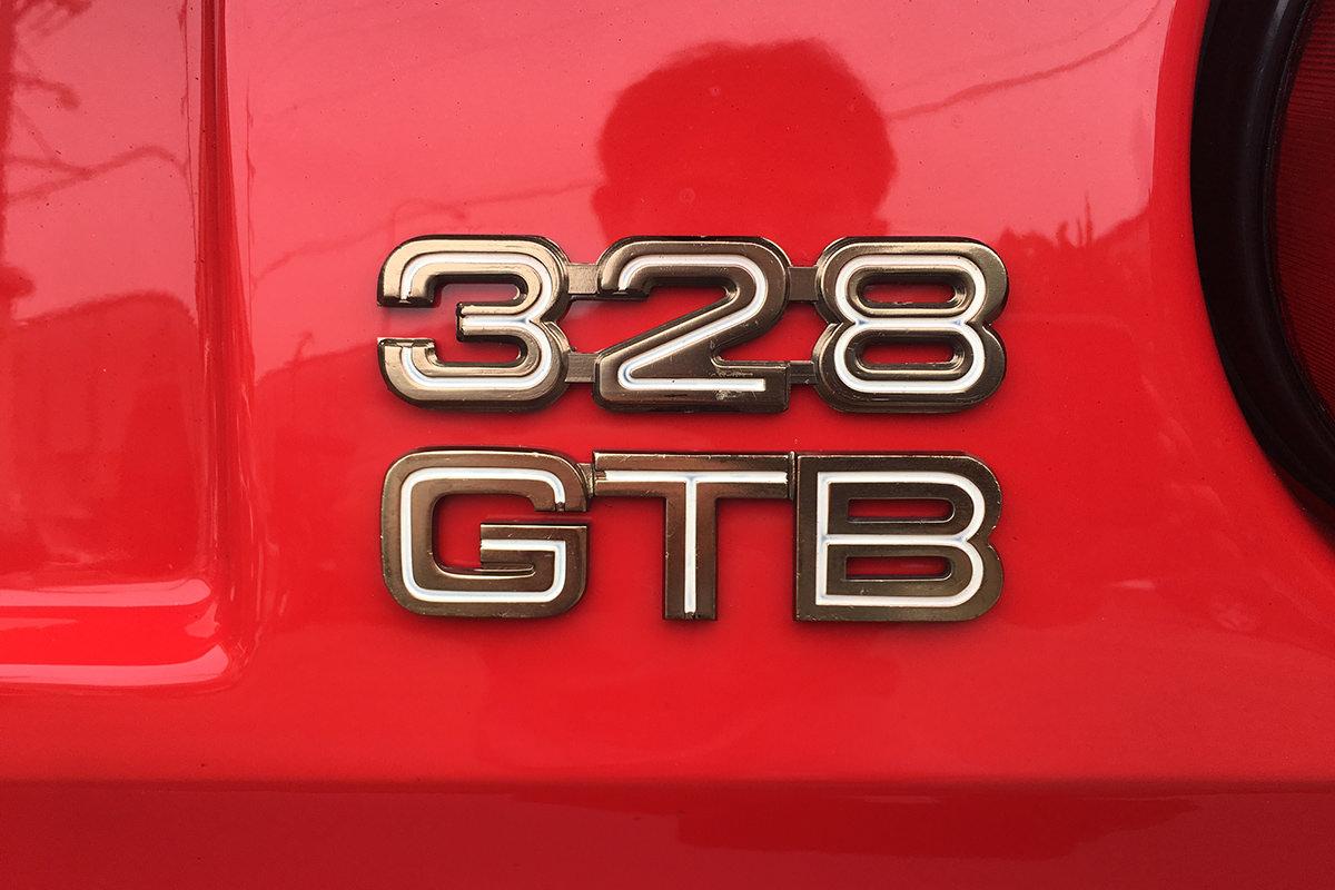 フェラーリ328_エンブレム