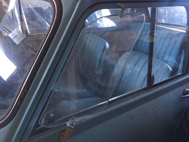 オースチンセブン_スライド窓