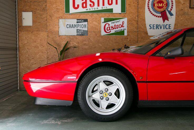 フェラーリ328GTB_フロントタイヤ
